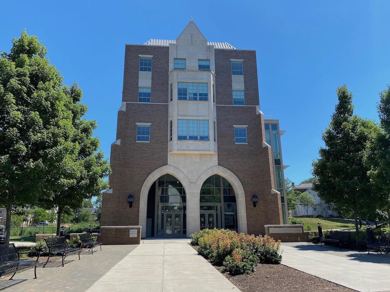 Business & Public Management Center